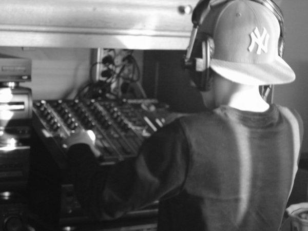 DJ Sebababy (L) *-*