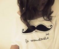 LA moustache. (L)