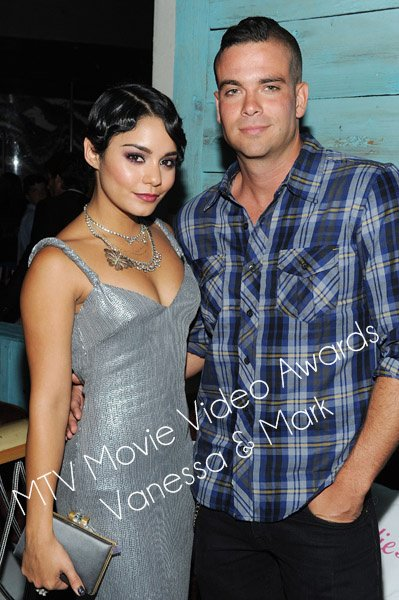 Zoom sur Vanessa Hudgens et Mark Salling aux MTV Movie Video Awards 2011.