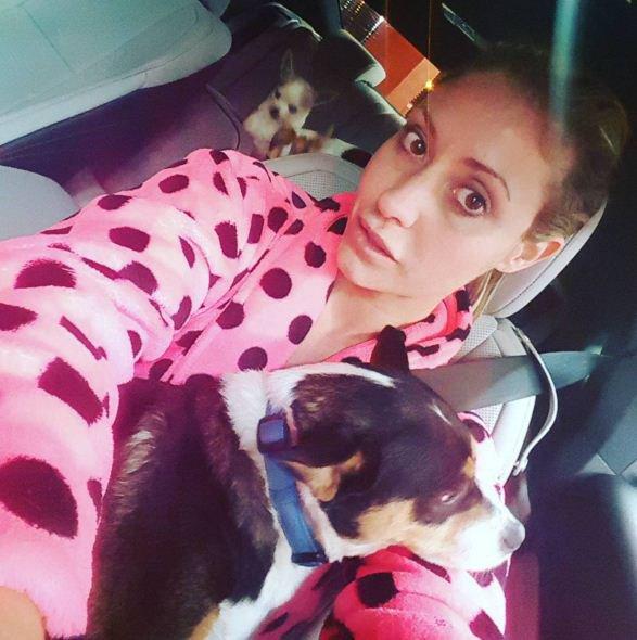 Eva avec son chien ♥