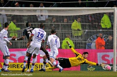 Olympique Lyonnais 4-4 Paris Saint-Germain 25ème journée de Ligue 1 à 21h00 sur Orange Sport
