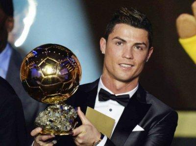 Cristiano Ronaldo remporte le Ballon d'Or pour la troisième fois