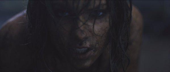 30/12/15 - Photoshoot . Candids . News . Twitter . Magazine . Soirée . Vidéo . Interview . Concert . Tumblr . Instagram . Taylor a posté une photo du clip d'Out Of The Woods sur les réseaux sociaux.