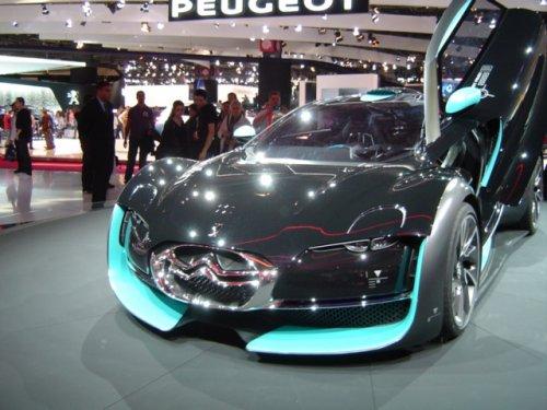 VU AU MONDIAL DE L ' AUTO : CONCEPT CAR ELECTRIQUE