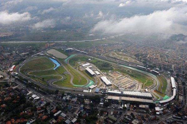 FORMULE 1 : GRAND PRIX DU BRESIL A SAO PAULO , GRILLE DE DEPART