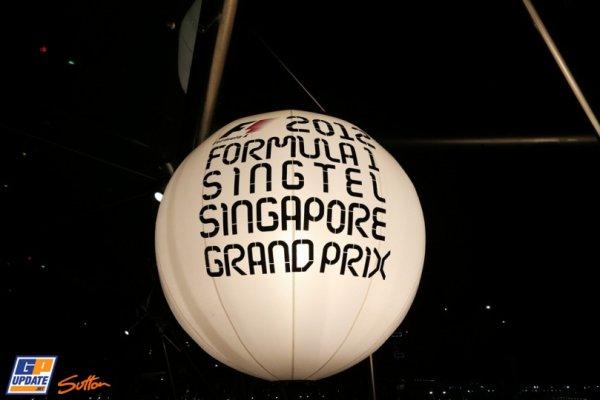 FORMULE 1 : GRAND PRIX DE SINGAPOUR A MARINA BAY , LA COURSE