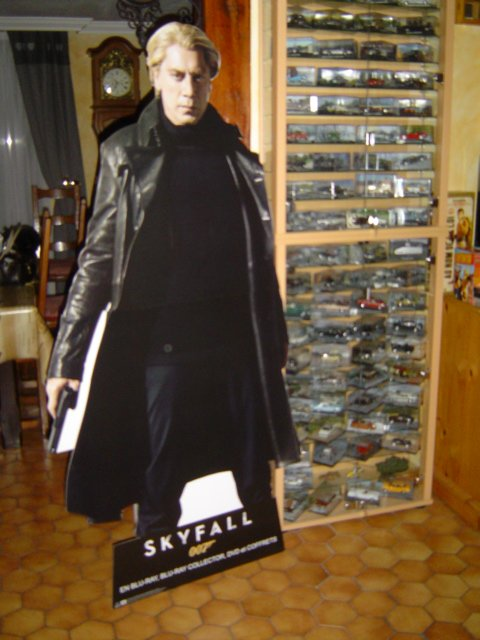 JAMES  BOND  007 : MOI  FAN  ET  COLLECTIONNEUR