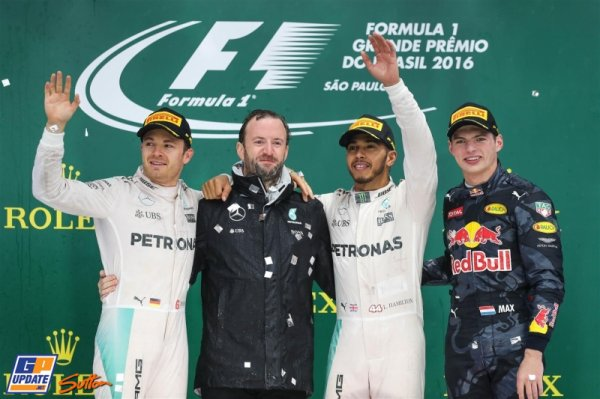 FORMULE 1 : GRAND PRIX DU BRESIL A INTERLAGOS , LA COURSE