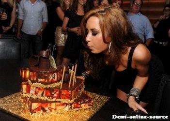 Bonne fête Demi (: