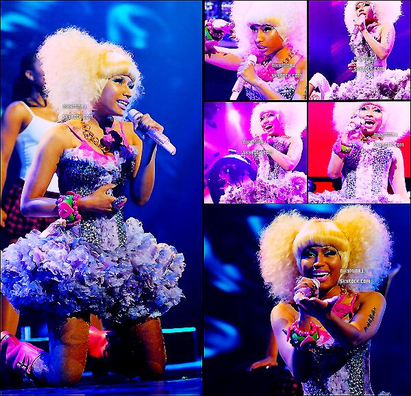 24 Septembre - Nicki Minaj au IHEARTRADIO MUSIC FESTIVAL Notre Barbie est absolument trés Belle ! En tout cas ces habit lui vont trés bien ! :)