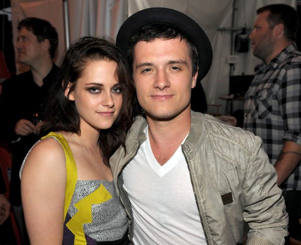 Elizabeth Banks et Josh Hutcherson dans les coulisses des MTV Movie Awards