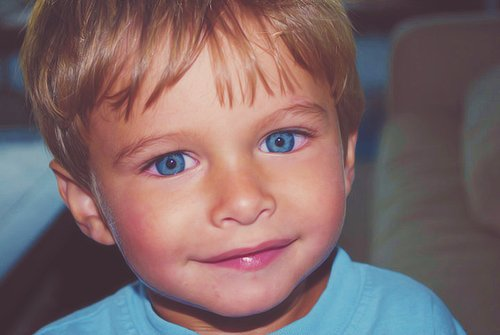 """How that girl, with the most sparkling blue eyes, that remind me so much of you...""Mom Ronan"