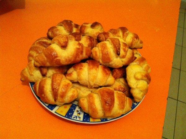 Croissant fait maison réalisé par moi même ! :))