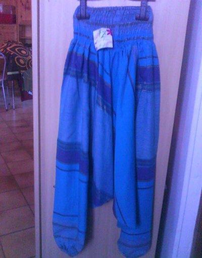 Sarouel bleu motifs rayures