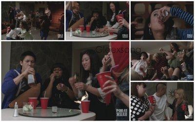 Episode un Précédement dans Glee. Kurt a changé d'école et sort avec Blaine depuis peu.  Quinn tourne autour de Finn, et Santana et Puck s'en sont rendu compte.