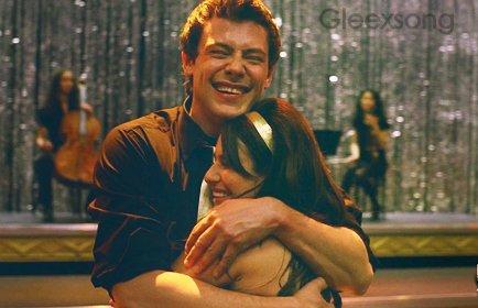 Episode deux Précédement dans Glee. Kurt a organisé une fête chez lui.  Santana & Puck, on vu Quinn et Finn entrain de s'embrasser