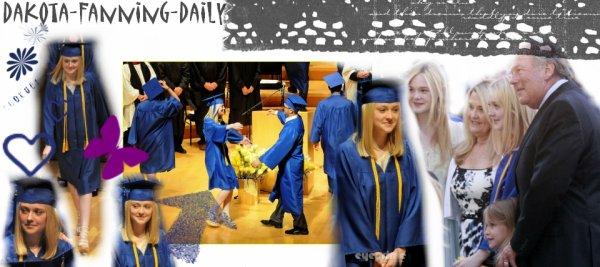 Regardez-la sourire à la céremonie des diplômes! :)  Sa famille était présents pour la supporter.