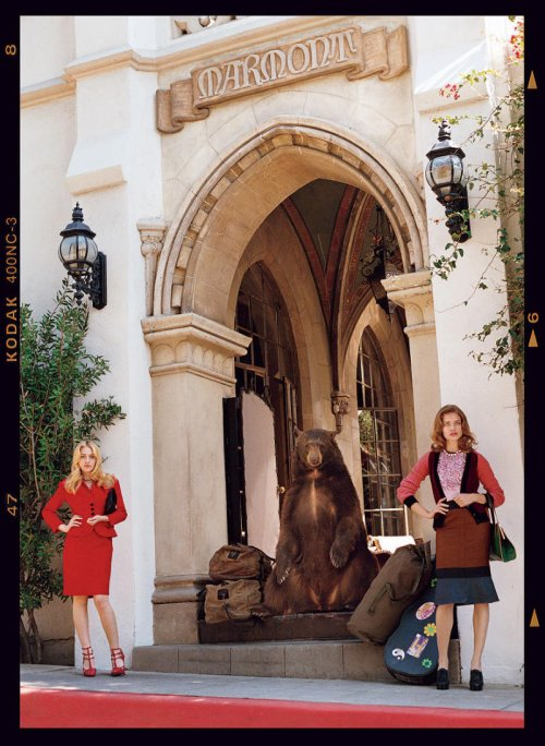 Bruce Weber photographie notre jolie Dakota et Natalia Vodianova pour Vogue US Mai 2011.