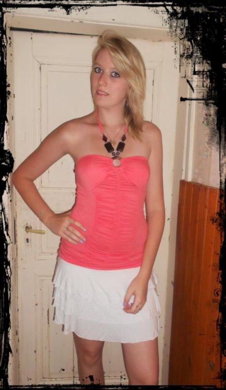 Avec ma jupe blanche