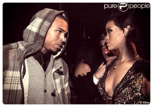 Chris Brown rejoint Rihanna dans sa cabine au beau milieu de la nuit