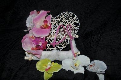 Porte alliance avec fleur artificielle orchidées