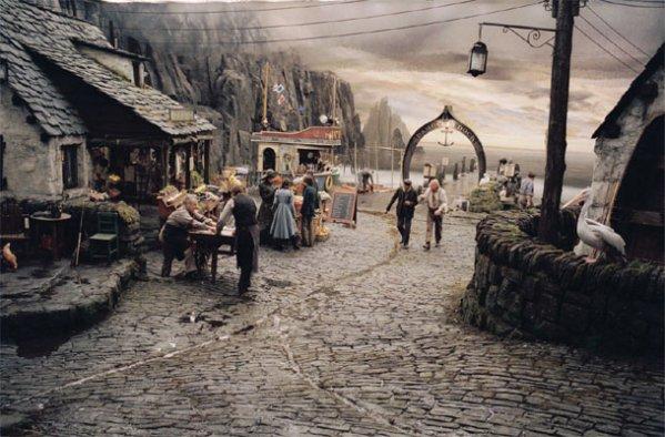 Les différents lieux de la série : Port Damoclès