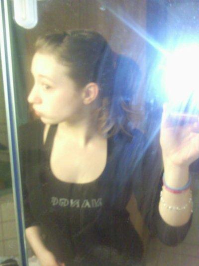 Mélissante , 18 ans , Charleroi Mons