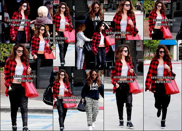 *07/02/14. Selena et son amie quittant un Studio de danse, à Los Angeles. Top ou Flop ?