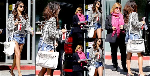 *27/03/14. Selena à été vue quittant un dépanneur + Nouvelle photo personnelle. Top ou Flop ?