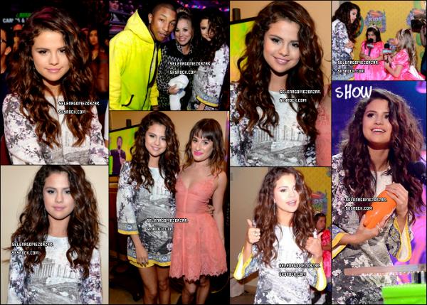 29/03/14. Selena était présente à la cérémonie des Kids Choice Awards. Pendant le show Selena à reçu le prix de la meilleure chanteuse ! + Nouvelle photo de Selena sur les réseaux sociaux avec Lily Collins. Top ou Flop ?