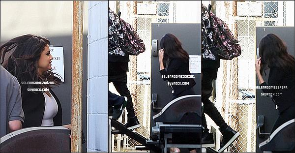 *18/06/14. Selena allant déjeuner au restaurant Cecconi à West Hollywood en Californie. Elle a été également vue avec Justin Bieber arrivant/quittant un Studio d'enregistrement Top ou Flop ?