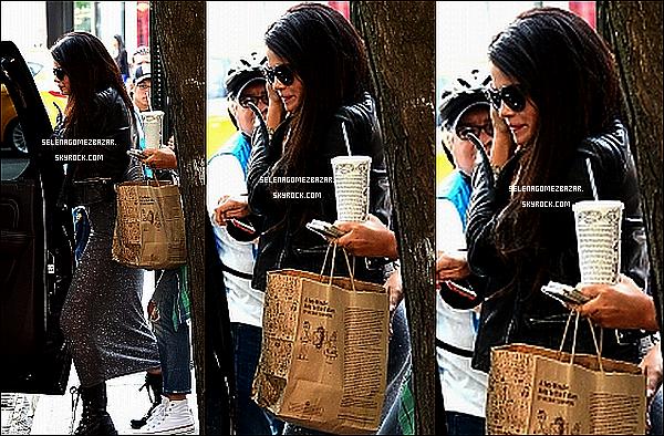 10/06/14 Selena a été vue quittant une réunion à New York. Top ou Flop ?