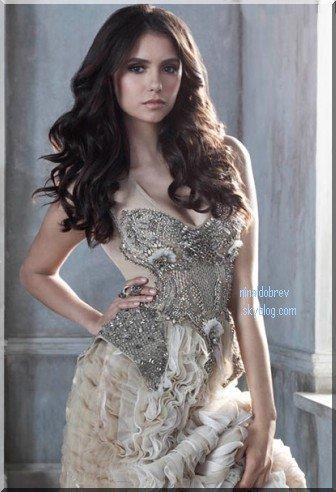 Le 31/08/2011: Après près d'un mois d'absence, me revoilà pour vous annoncer les news de Nina Dobrev !! & En voici déja une: Une nouvelle photo promotionnelle de TVD de la saison 3 . Vous en pensez quoi ? Moi j'adore ♥