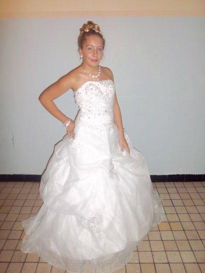 Moi avec ma nouvelle robe
