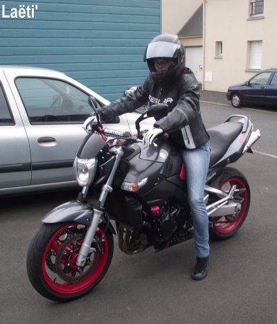 """La moto ? Une passion depuis gamine ♥♥♥"