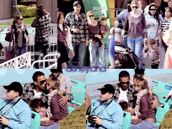 .. 25/02/2012 : Ellen, son mari et leurs fille était a DisneyLand en Californie. Je dirais top, meme si je ne suis pas fan de son pantalon. et toi tu pense top / bof / flop ?  ..