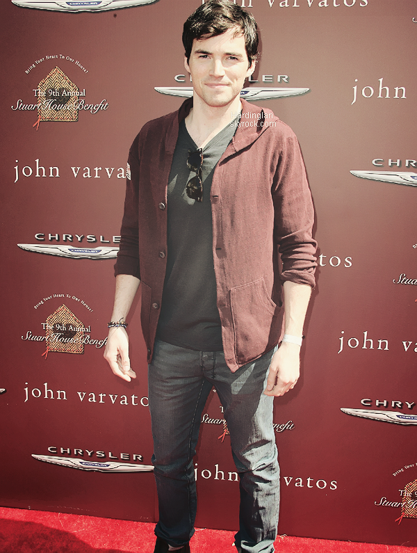 "11/03/2012 : Ian était présent au ""9th Annual John Varvatos Stuart House Benefit""."