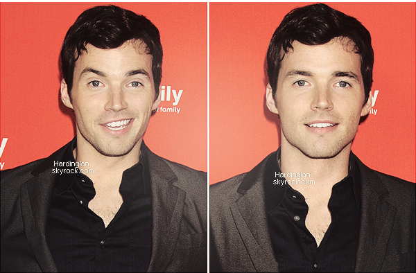 "01/05/2012 : Ian et le cast de PLL à l'évènement ""ABC family West Coast Upfronts""."