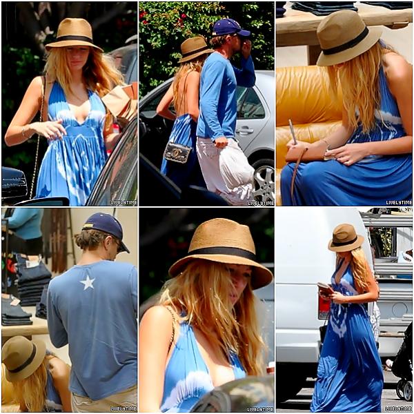 .  .  19/08/11 - Blake et Léo en route pour le magasin Fred Segal à Santa Monica 19/08/11 - Blake sur le tournage de Savages, le même jour à Los Angeles ].  .