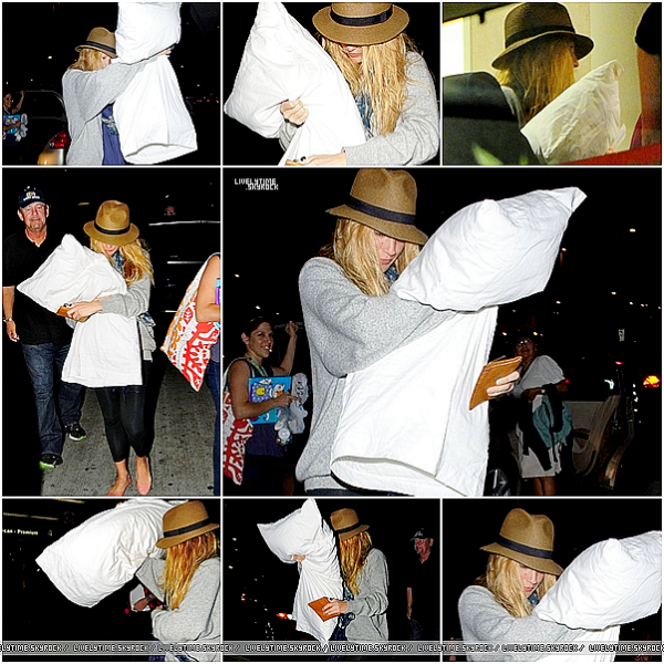 .  .  21/08/11 - Blake arrivant à l'aéroport de LAX à Los Angeles, pour prendre un vol en direction de New York.  .