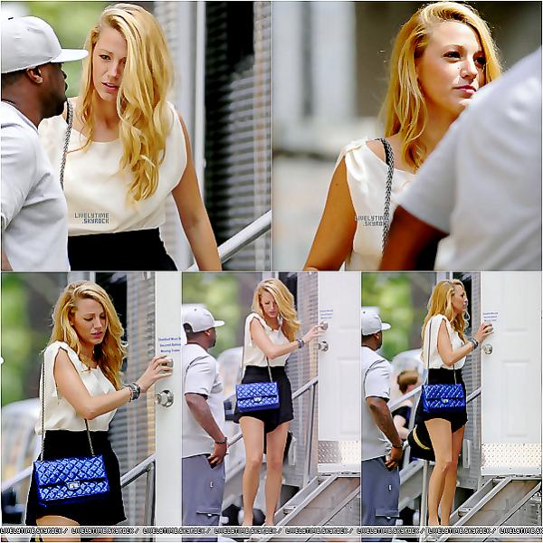 . 31/08/2011 : Après un court séjour en Australie pour voir Léonardo qui tourne un film, on trouve Blake sur le tournage de Gossip Girl à New York. Top ou Flop?.