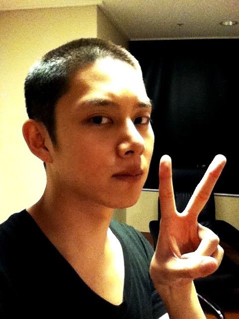 Super Junior's Heechul goint to the army