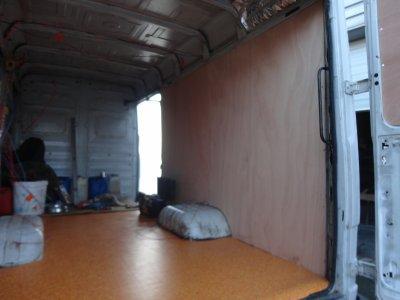 pose lino bois aux murs tirer les cables mes camions. Black Bedroom Furniture Sets. Home Design Ideas