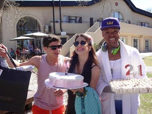 Martina,Facu & Samuel pour l'anniversaire de mechi (joyeux anniversaire mechii!!!!!!)