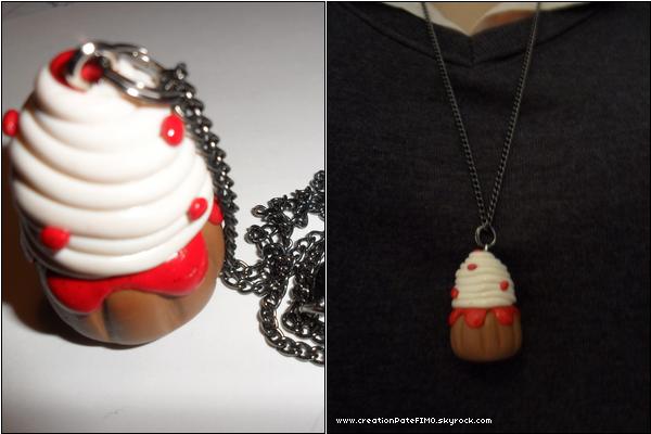 .~ Sautoir Cupcake rouge - [ www.creationPateFIMO.skyrock.com ] .