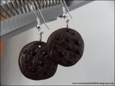 .~ Boucles d'oreilles Cookies chocolat - [ www.creationPateFIMO.skyrock.com ] .