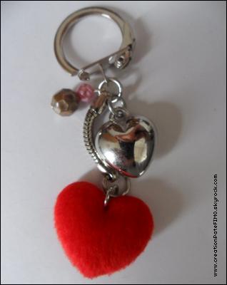 .~ Porte-clé Coeur rouge - [ www.creationPateFIMO.skyrock.com ] .