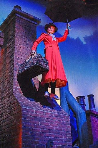 Sinon quelque Mary Poppins