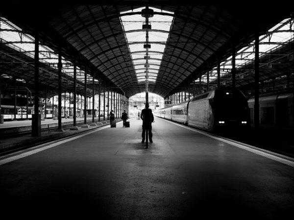 Solitude des quais de gare