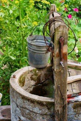 La vieille et le puits